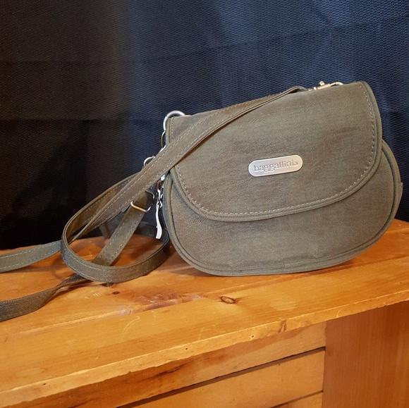 eef3b902728 Baggallini Bags   Bf Sale Crossbody Convertible Belt Bag   Poshmark